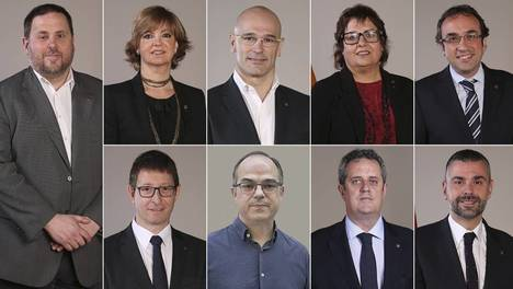 Oriol Junqueras,  Merixell Borrás, Raúl Romeva, Dolors Bassa, Josep Rull, Carles Mundó, Jordi Turull, Joaquím Forn y Santi Vila. (Foto: El País)