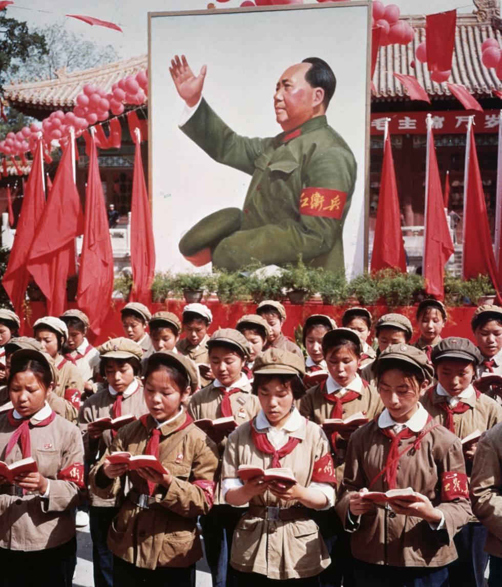 La China maoista y la 'Gran Revolución Cultural'. (Foto: https://elpais.com/cultura/)