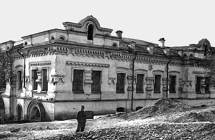 Casa Ipatiev, en Ekaterinburg, donde fue asesinada la familia imperial rusa por los bolcheviques en 1918. Fue demolida en 1977 por 'carecer de significación histórica' según el Politburó. (Foto: John Glines; http://www.pbase.com)