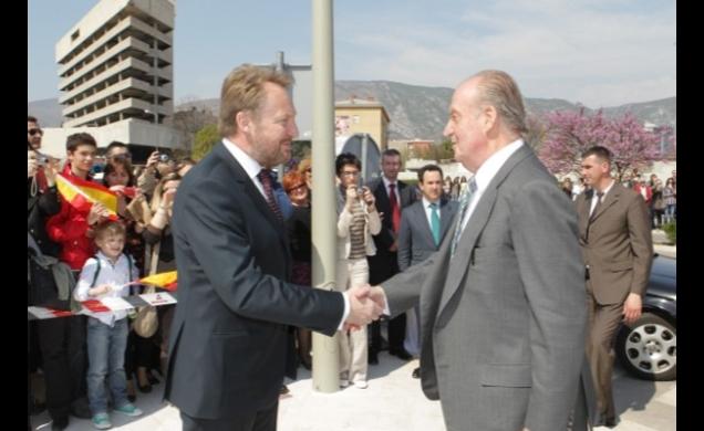 S.M. el Rey Juan Carlos en la inauguración oficial de la Plaza de España en Mostar (Bosnia-Herzegovina). Foto: Casa Real 29.03.2012