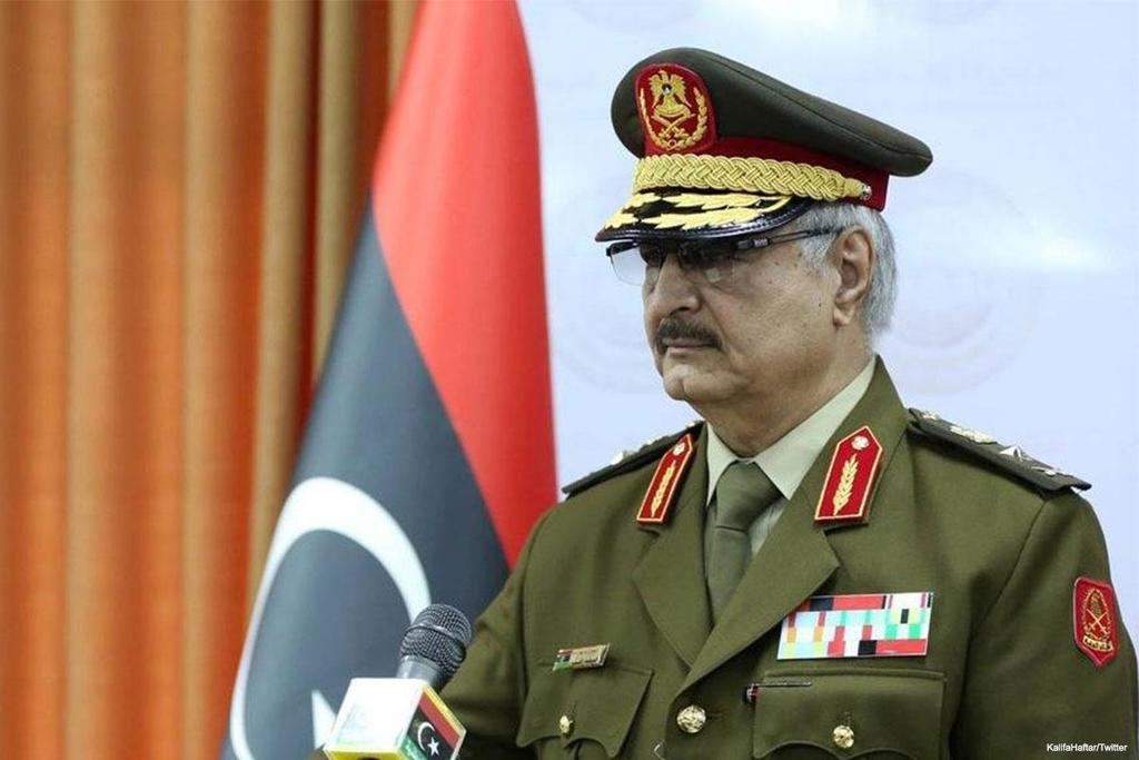 El general Jalifa Haftar, jefe del Ejército de Liberación Nacional (LNA) libio. (Foto: www.bbc.com)