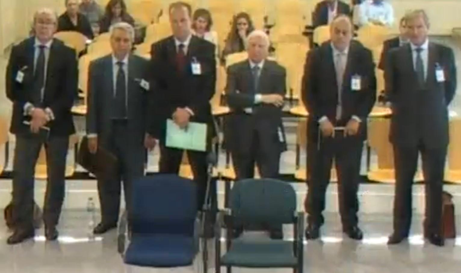 La audiencia nacional condena a dos a os de c rcel a la for Oficinas novacaixagalicia madrid