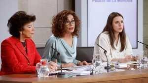 Las ministras Celáa, Montero y Montero. Foto: RTVE.