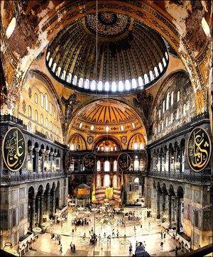 Interior de la Basílica de Santa Sofía. (Foto: Enrique Viola / Flickr)