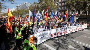 Manifestación el 12 de Octubre en Barcelona (Foto: EFE).