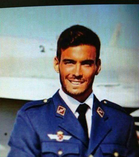 El teniente del Ejército del Aire D. Fernando Pérez Serrano