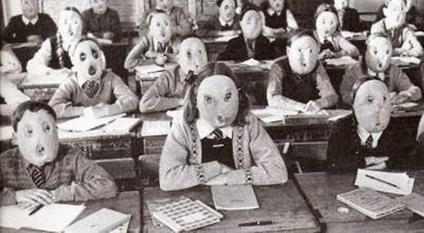 Adoctrinamiento público escolar. )Foto: (http://teoriamal.blogspot.com).