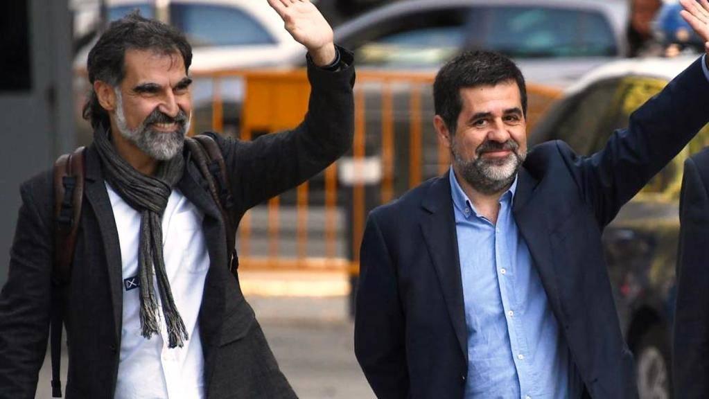 Jordi Cuixart (de Òmnium) y Jordi Sànchez (de ANC). Foto: Gabriel Bouys / AFP