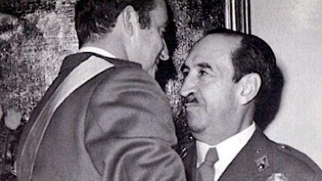 SM el Rey de España Juan Carlos I y el General Armada