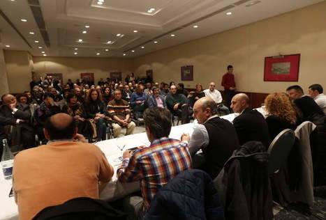 La actual Junta Directiva de León presidiendo la asamblea del pasado día 22 de enero, en la que Sadat Mañara retó a los críticos a presentar una moción de censura contra él