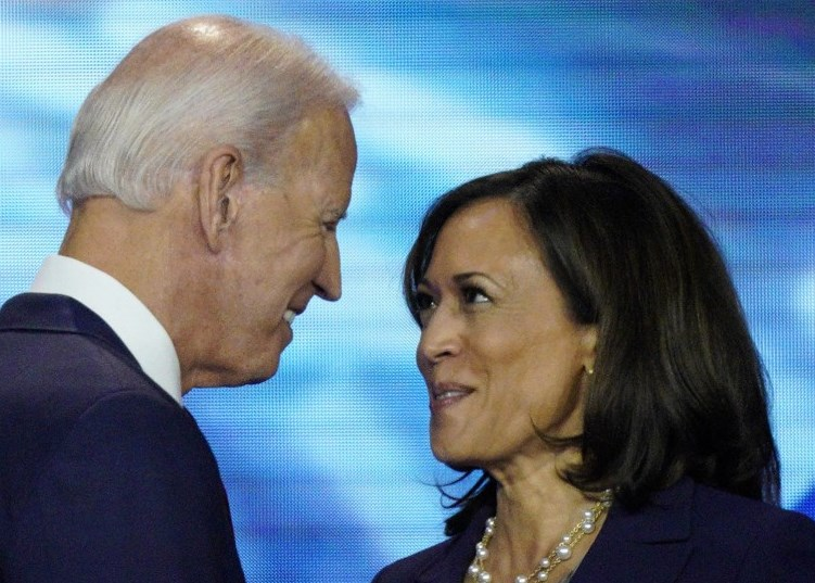 Joe Biden y Kamala Harris. (Foto: Los Angeles Times / David J. Phillip/AP).
