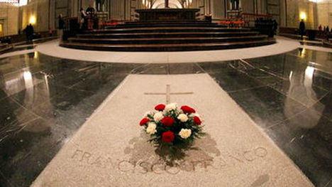 Sepulcro de Francisco Franco en la Basílica del Valle de los Caídos.