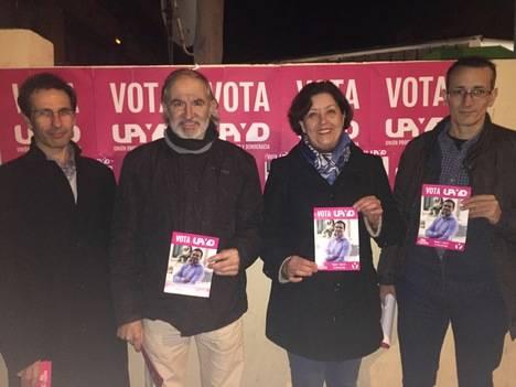 UPyD COMENZÓ SU CAMPAÑA EN LEÓN CON UN ACTO SIMBÓLICO DE PEGADA DE CARTELES