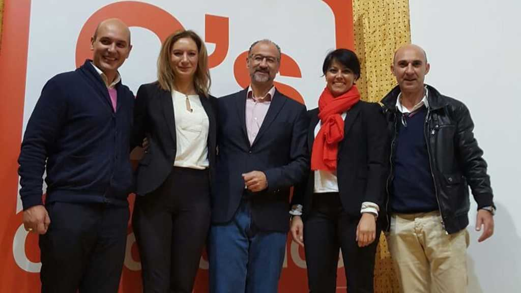 De izq. a der.: Sadat Maraña Robles, Ruth Santín Huerga, Luis Fuentes Rodríguez, Rosa Luna Fernández y Juan Carlos Fernández Domínguez