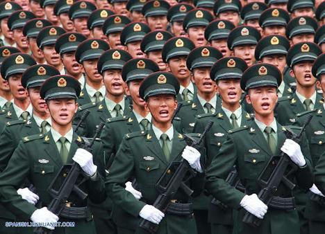 El Ejército chino preparando el Desfile de la Victoria. (Foto: http://spanish.people.com.cn/n/2015/0822/c31621-8940180.html)