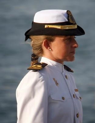 La capitán de corbeta Esther Yáñez es la primera mujer que ingresó en la Armada española