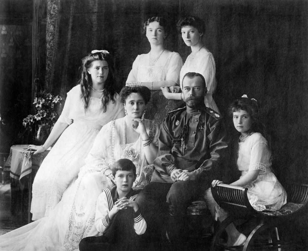 La familia Romanov, barrida trágicamente por la Revolución
