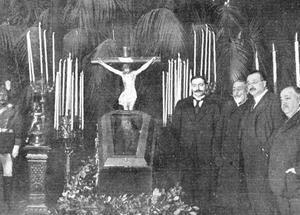 El cadáver de D. Benito Pérez Galdós expuesto en el Ayuntamiento de Madrid. (Foto: https://lacorrientedelgolfo.wordpress.com/)