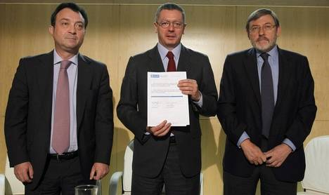 Manuel Cobo junto a Ruiz Gallardón y Lissavetzky