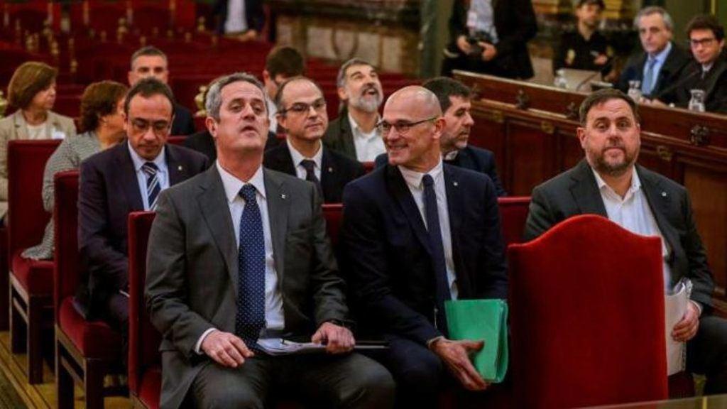 Algunos de los golpistas catalanes en el banquillo del Tribunal Supremo de España, felices ellos.