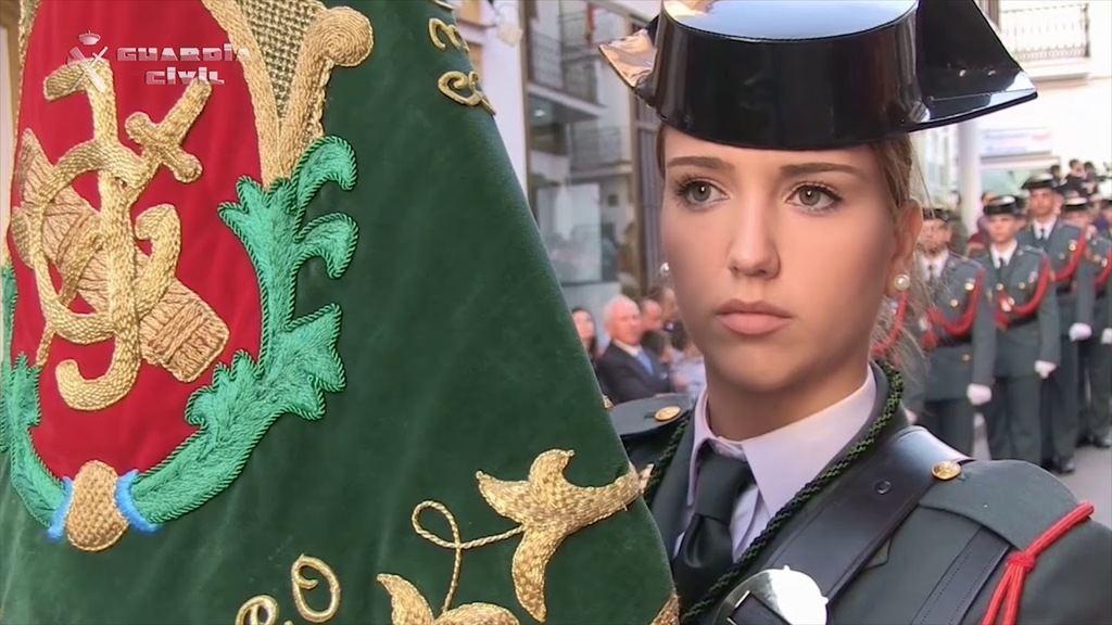 La Guardia Civil desfilando en Semana Santa. (Foto: Youtube)