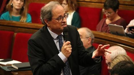 El ínclito 'president' Torra durante la sesión de control de hoy. Foto: La Vanguardia (Núria Julià / ACN)