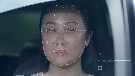China, con sus cientos de millones de cámaras de vigilancia y sus sistemas de IA de reconocimiento facial puede rastrear y localizar a cualquier ciudadano en cuestión de minutos (puede que ya en cuestión de segundos). (Foto: https://www.bbc.com/)