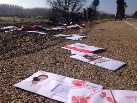 Un aparatoso accidente con mensaje electoral incorporado: el PSOE por los suelos