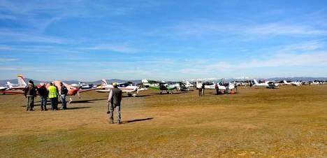 Éxito de participantes en la concentración de aviones del Aeroclub de Astorga