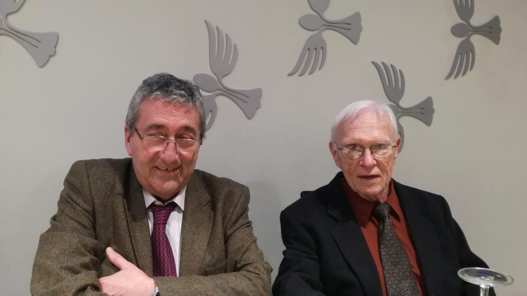 El hispanista Stanley G. Payne junto al editor Juan M. Martínez Valdueza durante su visita a España el pasado año 2018