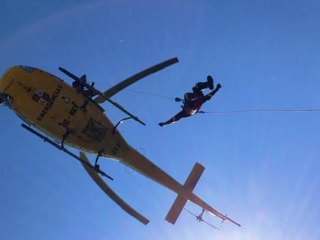El equipo de emergencias del 112 en acción.  Foto: La Crítica de León