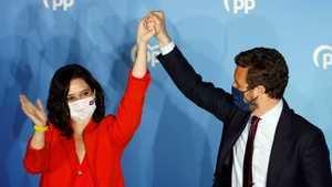 Isabel Díaz Ayuso y Pablo Casado el 4 de mayo de 2021. (Foto: RTVE).