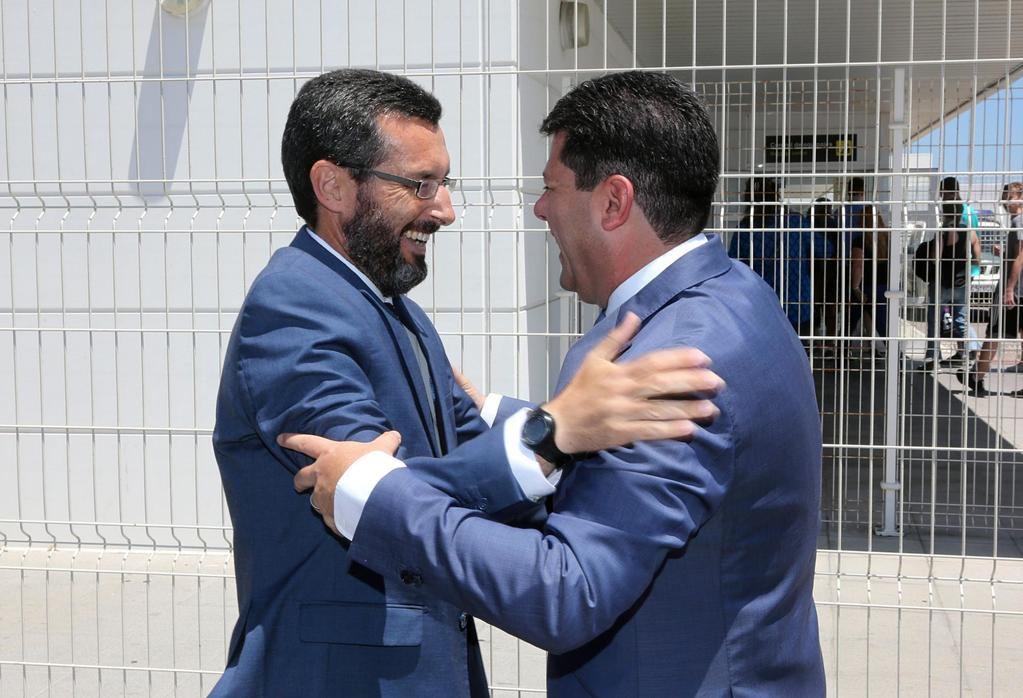Juan Franco, alcalde de La Línea de la Concepción, y Fabián Picardo, primer mandatario y 'honorable' de Gibraltar. (Foto: Servicio de Información del Gobierno de Gibraltar).