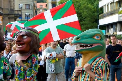 San Sebastián, Agosto de 2008. © Editorial Akrón