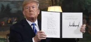 Firma por Trump, el pasado 2018, de la ruptura del Pacto Nuclear con Irán. (Foto: https://www.cubahora.cu)