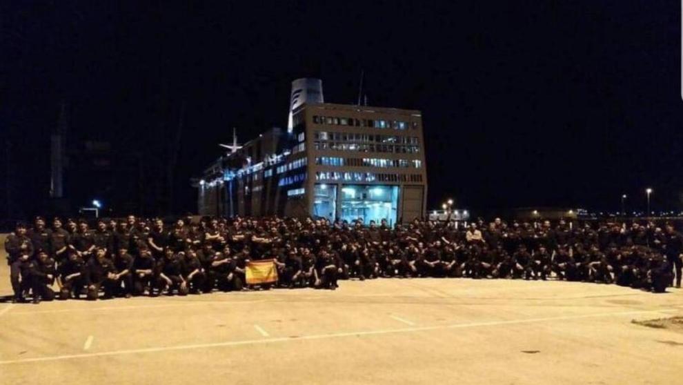La Policía Nacional en el puerto de Barcelona tras el 1-O.