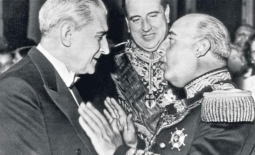 Antonio de Oliveira Salazar y Francisco Franco Bahamonde, en 1949.