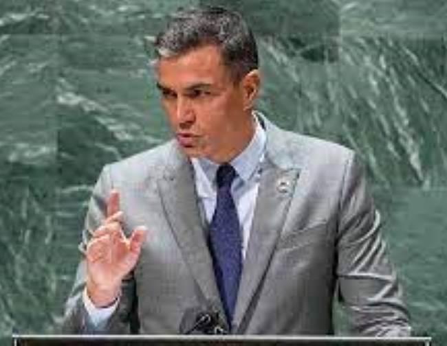 Sánchez en la ONU pontifica sobre la democracia... (Foto: RTVE).