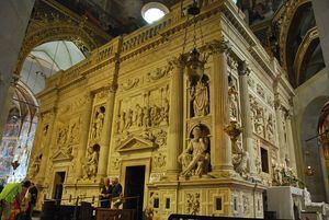 Santuario de la Santa Casa en la basílica de Loreto (Italia). Foto: (De Zorro2212 -  CC BY-SA 3.0, https://commons.wikimedia.org/w/index.php?curid=22585015)