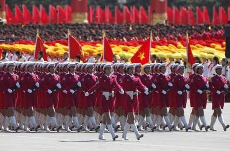 ... el decadente régimen maoísta ... es material y moralmente el verdadero 'tigre de papel' ... (Foto: RTVE).