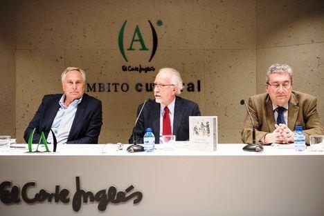 Tomás Álvarez (I), José María Merino (C) y Juan M. Martínez Valdueza (D)