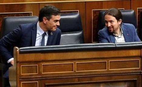 Sánchez e Iglesias, presidente y vicepresidente del Gobierno de España. / EFE