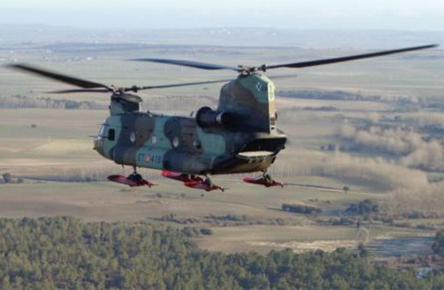 Helicóptero CH-47 Chinook del Ejército de Tierra. (Foto: Ministerio de Defensa de España)