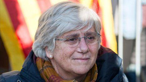 Clara Ponsatí, exconsejera del gobierno de Puigdemont, huida de la Justicia española, refugiada en Escocia y en la actualidad eurodiputada por la gracia de las instituciones europeas. Foto: El Periódico).