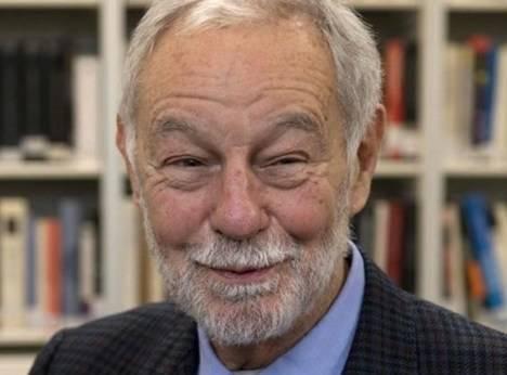 Eduardo Mendoza en el Instituto Cervantes de Londres. (El Periódico)