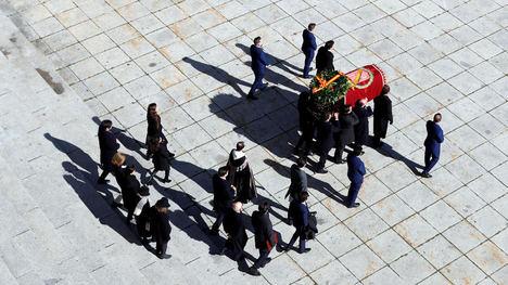 Exhumación de los restos de D. Francisco Franco. Foto: www.france24.com / Emilio Naranjo vía Reuters)
