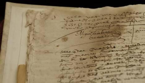 La Universidad de Sevilla encuentra dos firmas perdidas de Miguel de Cervantes