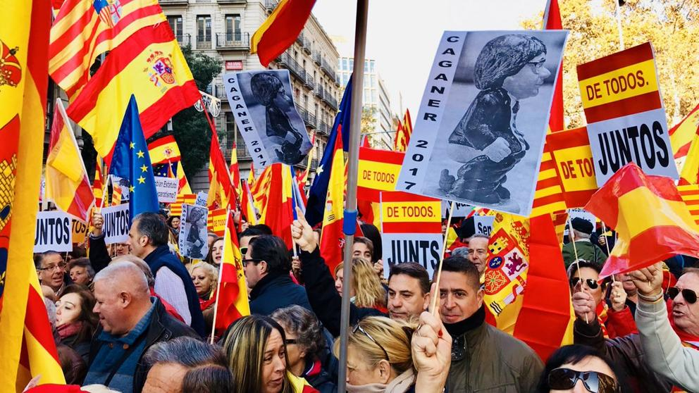 Los constitucionalistas hoy en Barcelona (Foto: La Vanguardia / @DaniPintoB)