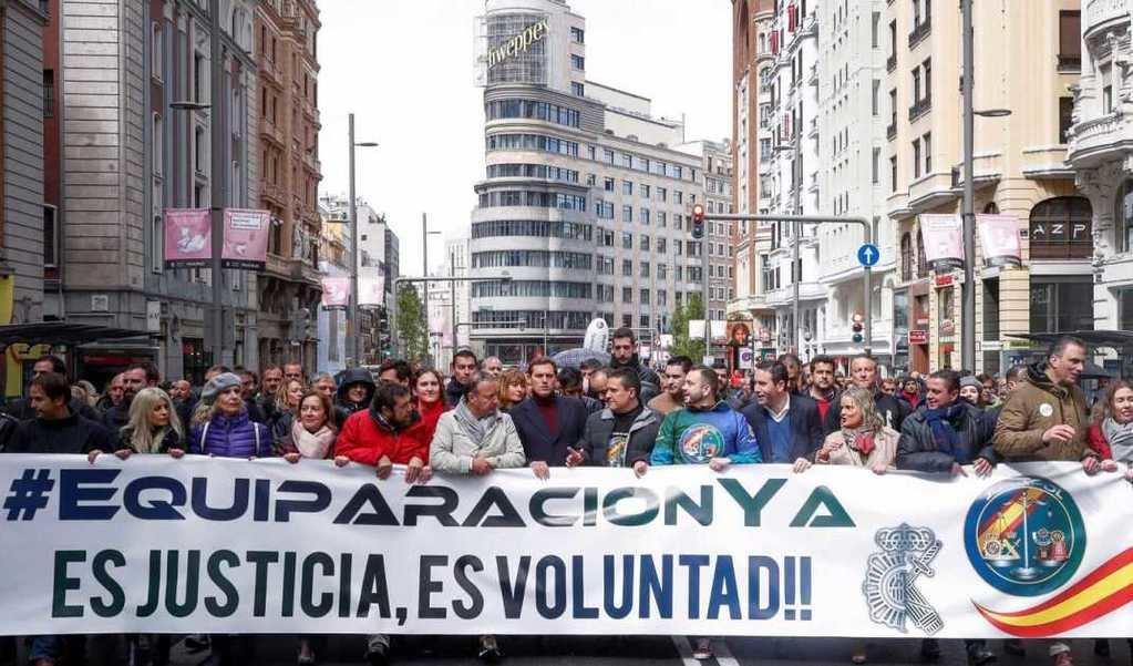 La cabecera de la manifestación, políticos incluidos.