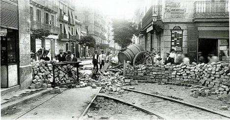 Barricadas en Barcelona durante la Semana Trágica de 1909